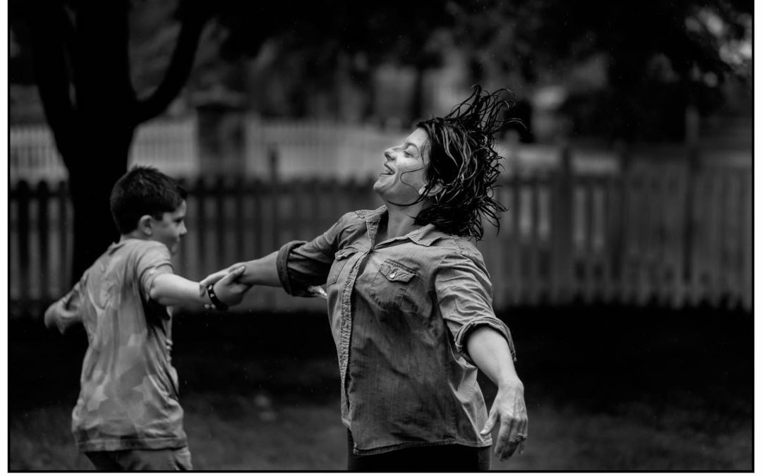 Kansas City family photography | A little impromptu Mother's day celebration in the rain