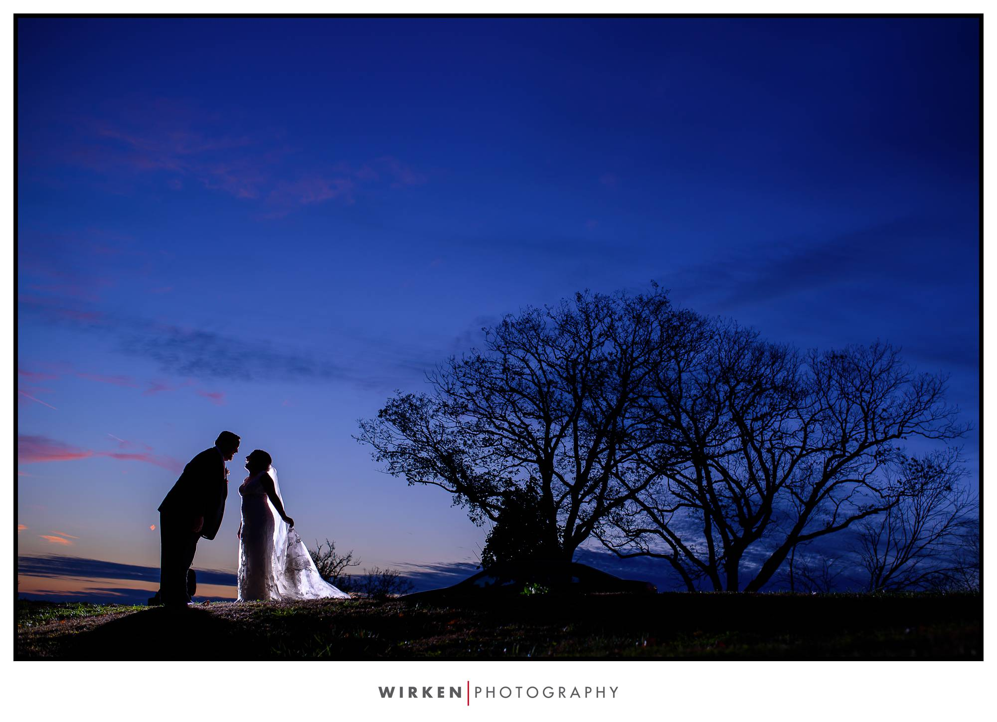 bride and groom at sunset in kansas city
